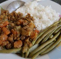 תבשיל עדשים וירקות, שעועית ירוקה בלימון ואורז בסמטי