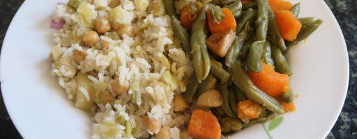 אורז עם כרישה וגרגרי חומוס ותבשיל בטטה ושעועית ירוקה