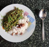 אורז עם שעועית בורלוטי וירוקים מוקפצים