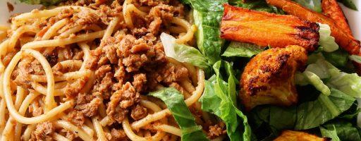 ספגטי בולונז-שום וכרובית עם גזר בתנור